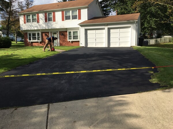 Driveway Seal Coating in Columbia, MD (3)